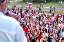 Novas greves deixam hospital sem recepção e escola sem merendeira