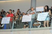 Derrubada de barracos no Sol Nascente provoca debate acirrado