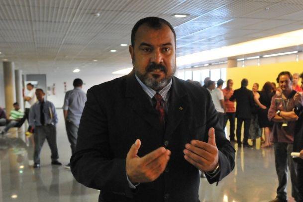 08/04/2014. Crédito: Breno Fortes/CB/D.A Press. Brasil. Brasília - DF. Deputado Dr. Michel, na Câmara Legislativa do Distrito Federal.