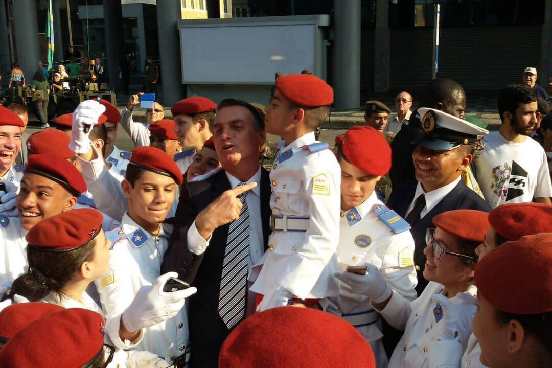 Exército reage, USP recua e aceita alunos militares | Notibras