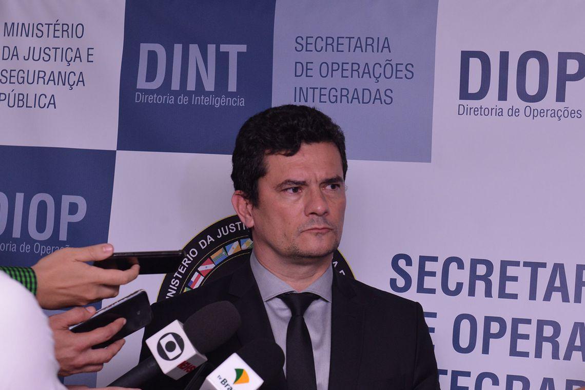 Moro só sai do governo Bolsonaro quando combater o crime organizado em Brasília